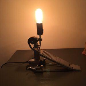 bassdrumpedaal lamp