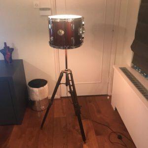 rode staande drumlamp