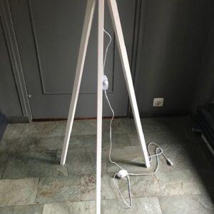 white wash driepoot standaard