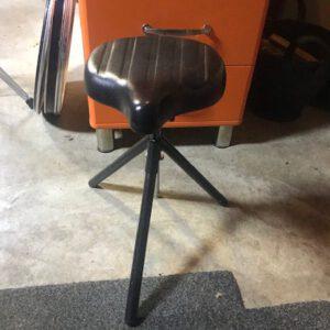 Vintage driepoot drumkruk