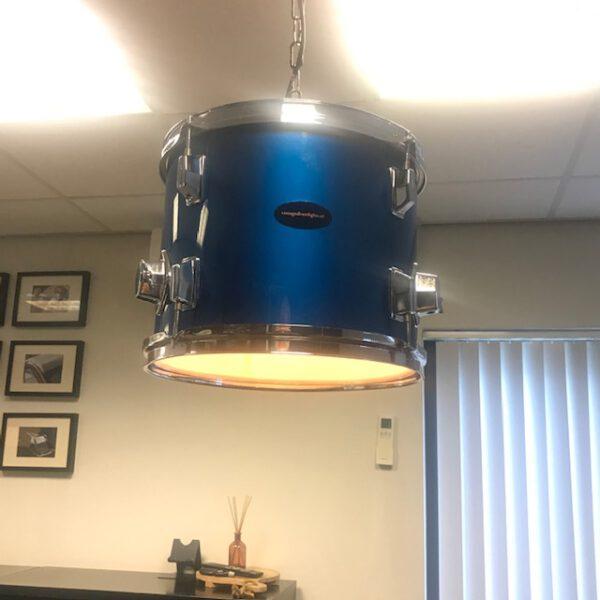 blauwe drum hanglamp