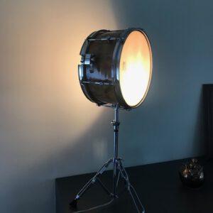 Staande snaredrum lamp